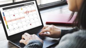 Trello vs Loomly - social media content calendar